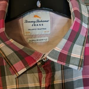 Tommy Bahama Large short sleeve shirt